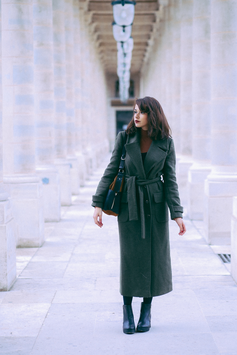 2a2eaffb3cf0e Blog mode Paris shooting tuileries Dollyjessy blogueuse parisienne  lifestyle belles photo Comment porter le manteau long