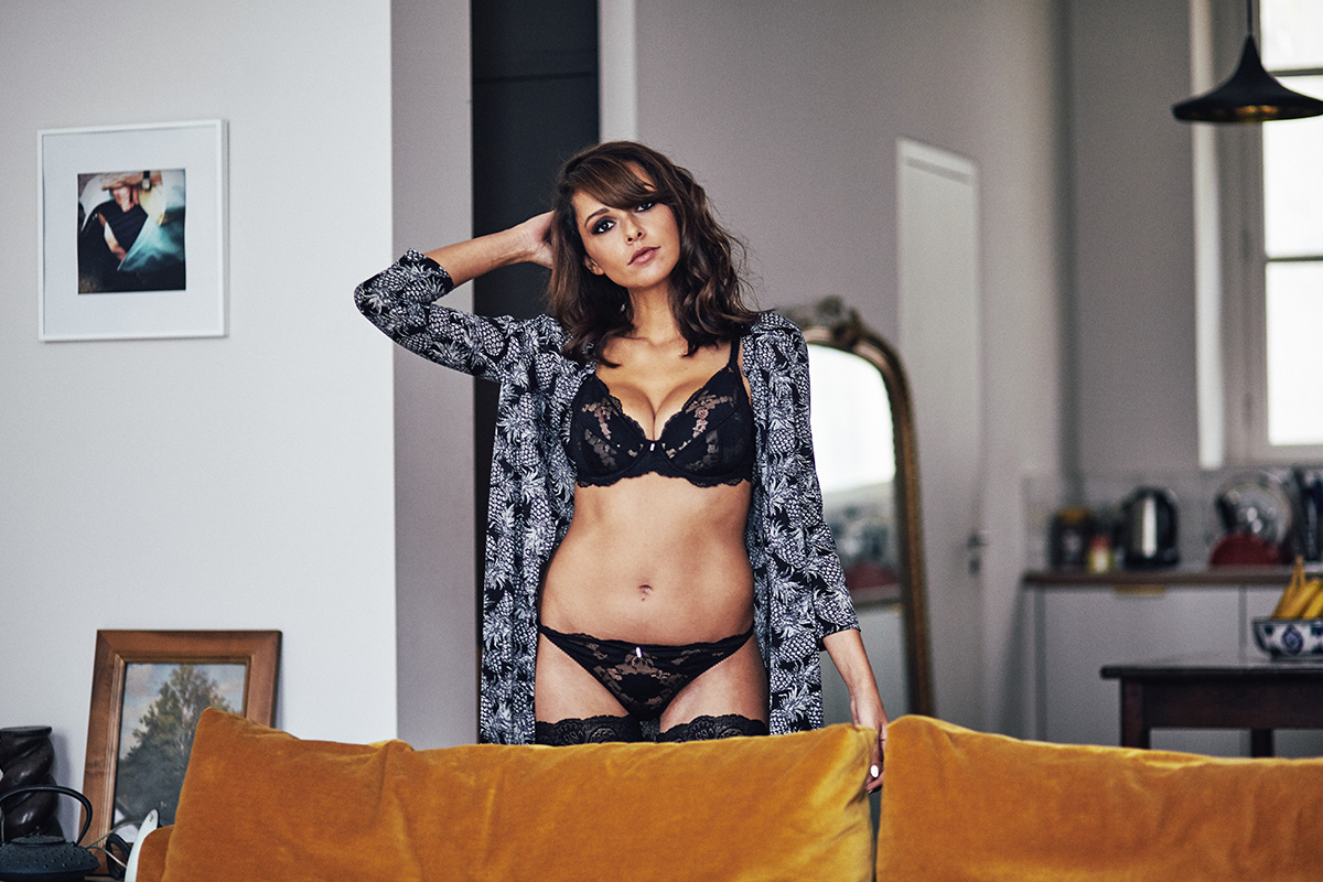 Implicite_lingerie_sexy_glamour_blogueuse_mode_Paris_ensemble_noir_h4