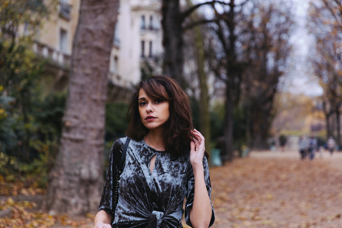 Blog mode lifestyle original Paris blogueuse mode parisienne Dollyjessy - Robe verte en velours Zara - robe de fête