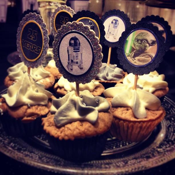 Cupcakes: fondant au chocolat pour la base, et ganache montée au chocolat blanc