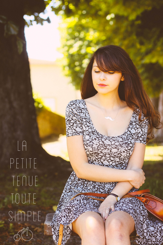 Look #1, premier article de mode, robe fleurie noire et blanche asos, Dollyjessy