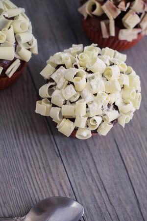 recette des cupcakes coeur nutella, philadelphia milka et chocolat blanc