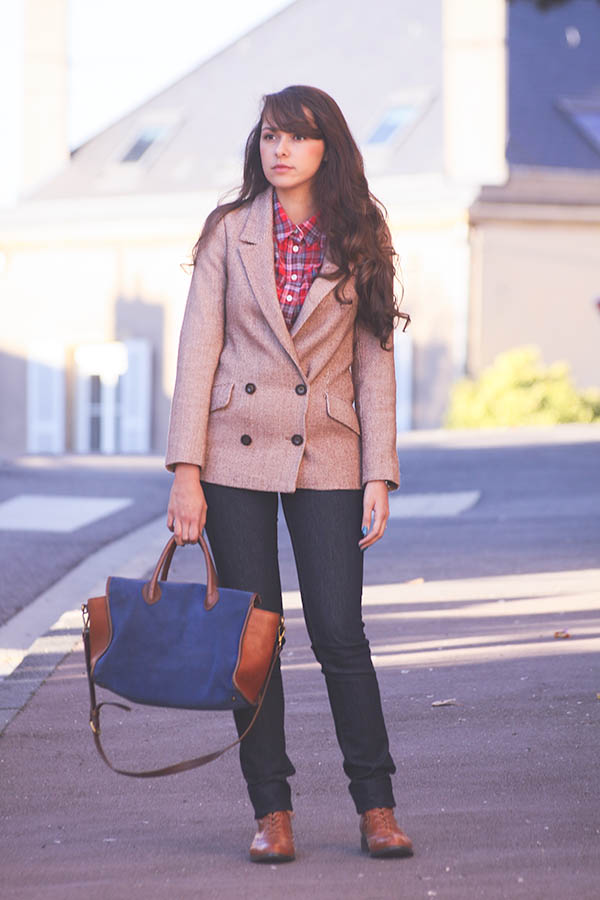 Look Dollyjessy: Veste en tweed Orion, chemise à carreaux, Jack Wills boots d'homme, Sac Madewell