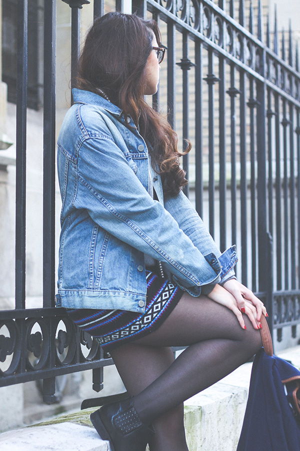 Fashion blog, Look Indiana: boots en cuir Monoprix, jupe Navajo Asos, Veste Levi's Homme, collier perles H&M, sac à dos River Island - Dollyjessy blog Lifestyle