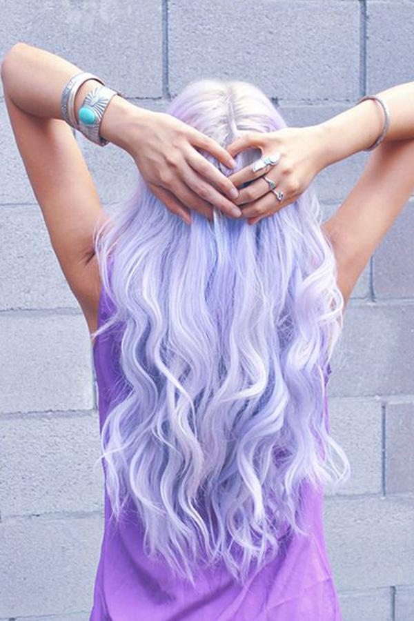 Cheveux violets pastel