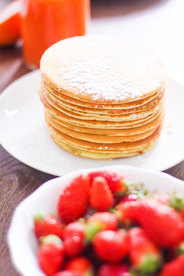 Brunch Dollyjessy: pancakes et fraises