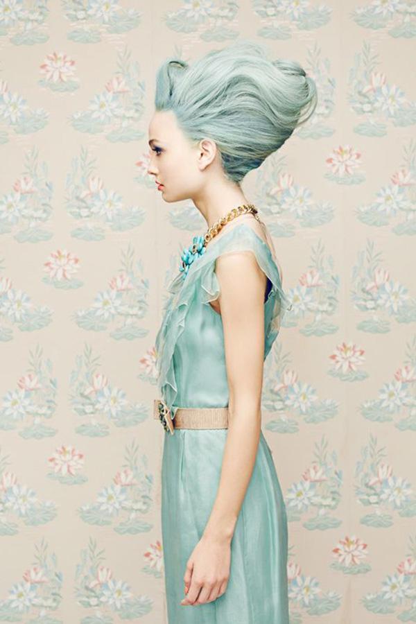 cheveux couleur licorne bleu pastel