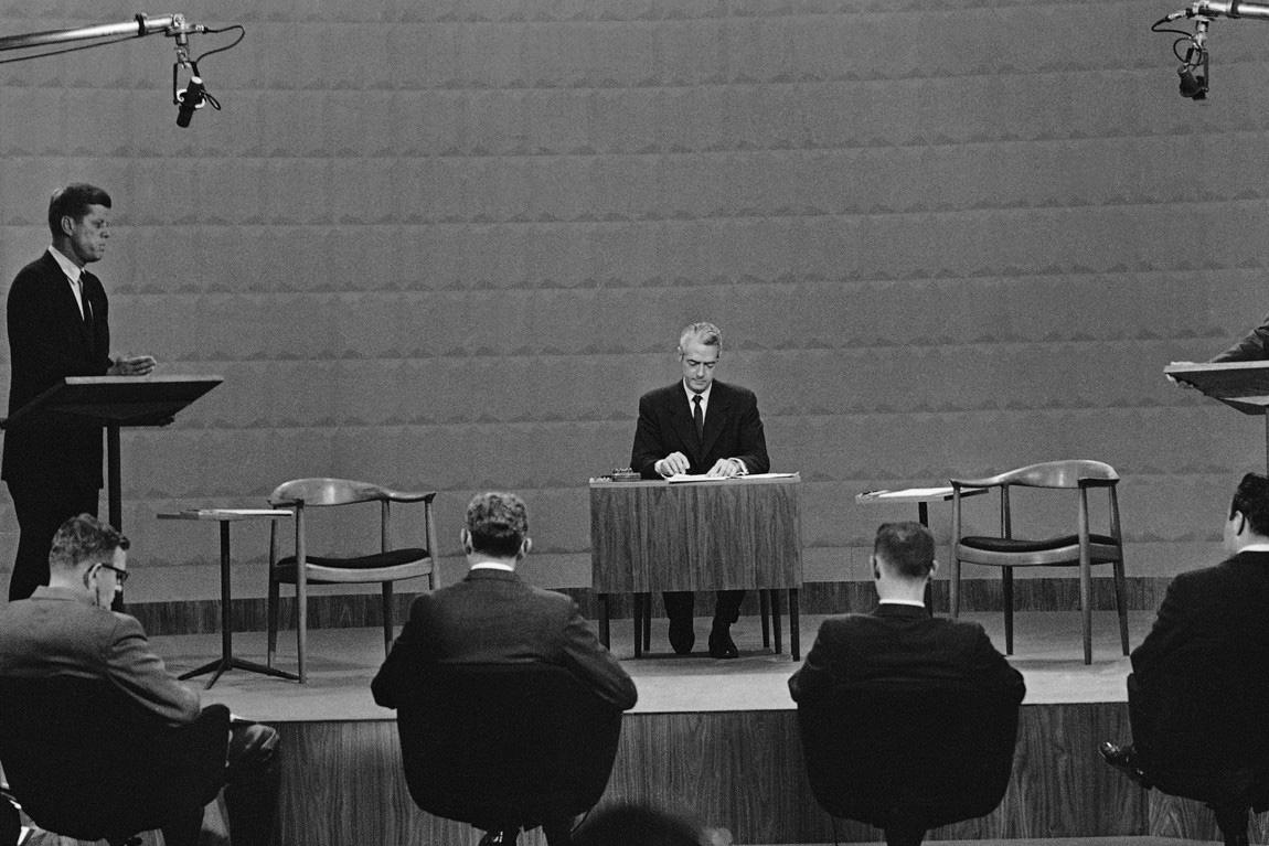 Débat Kennedy Nixon, chaise Wegner