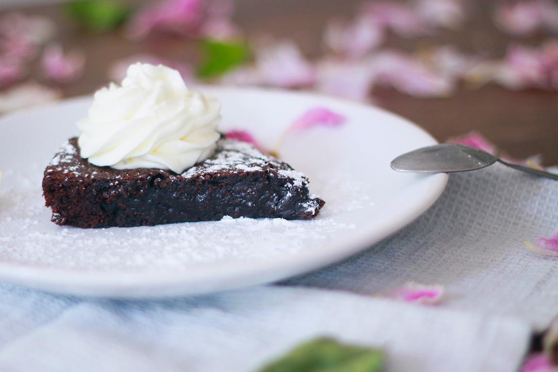 Recette du gâteau au chocolat suédois, le kladdkaka - blog lifestyle mode cuisine Dollyjessy - Recette Suède, fondant au chocolat