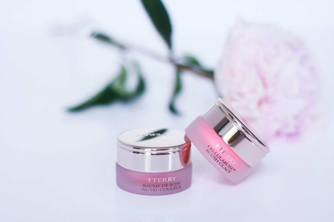 Maquillage Terry, blush glacé à la rose et baume à lèvre à la rose