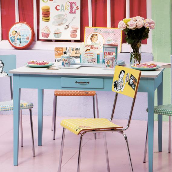 Table de cuisine bleu et blanc, Maison du monde - décoration scandinave
