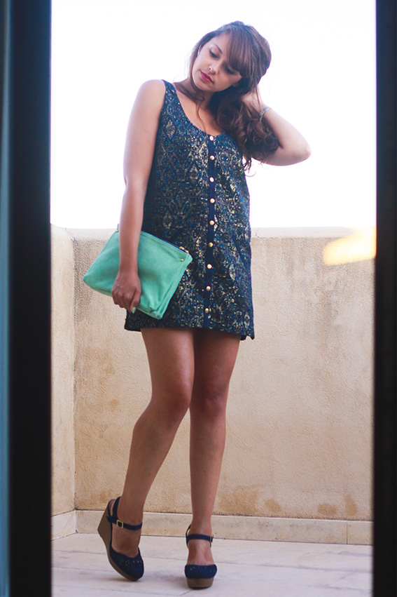 Dollyjessy blog mode lifestyle - look robe Sézane et compensées, pochette Asos