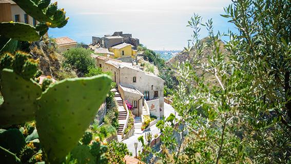 Savoca, petit village de Sicile au sommet d'une montagne:Borgio Resort hôtel. Blog Lifestyle voyage Dollyjessy