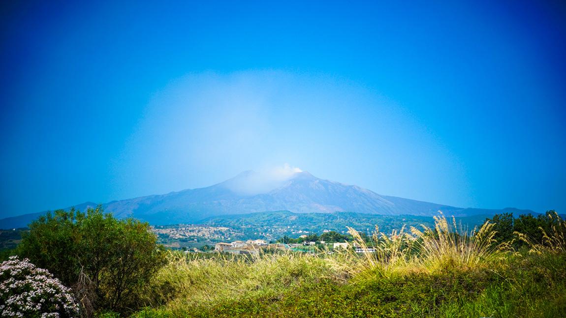 Etna qui fume en Sicile - Etna volcano smoke in Sicily