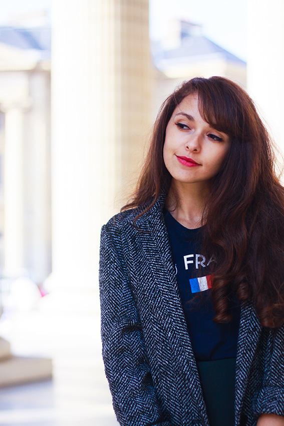 Dollyjessy blog mode lifestyle: visite du panthéon avec veste en tweet Mango, t-shirt Bisous Français Florette Paquerette, jupe The Kooples, boots Sézane, sac Madewell