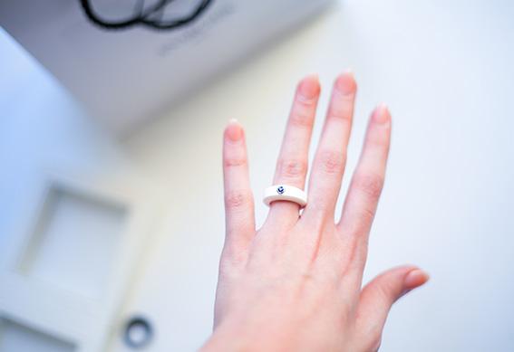 Bague Anarchik pierre précieuse anneaux en silicone interchangeables, bague avec saphir. Marque de bijoux originaux - blog mode lifestyle dollyjessy