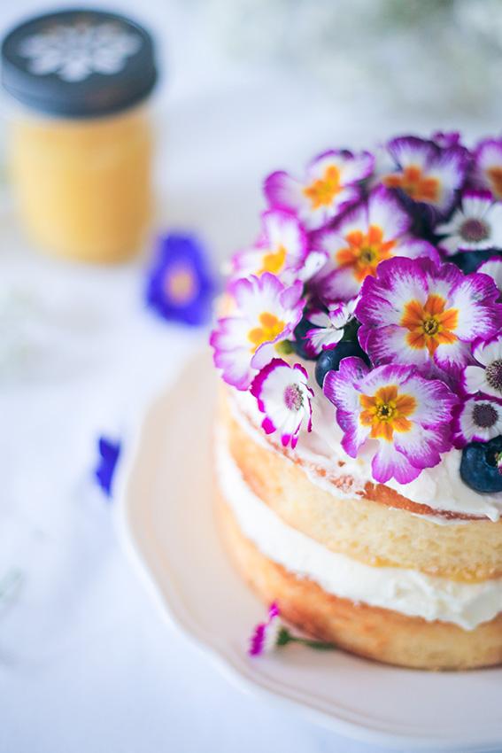 Lemon Victoria Sponge Cake - recette génoise au citron avec chantilly citron mascarpone et lemon curd - Recette victoria sponge cake français - blog lifestyle cuisine - french blog
