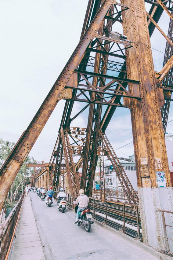 Photo Hanoï Vietnam - voyage blog trip avec l'agence de voyage Comptoir des voyages. Photographie. Visite du Vietnam, hanoï. Pont Français Gustave Eiffel