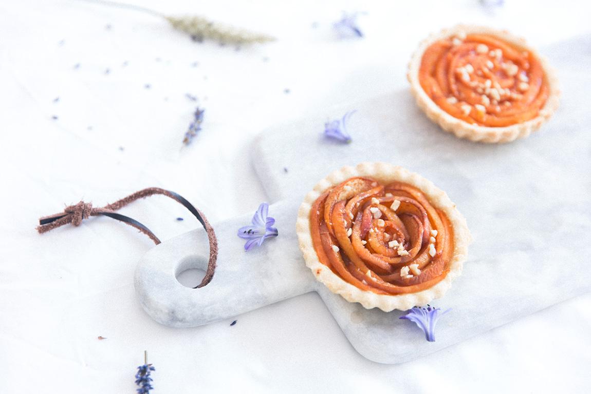 Tartelettes aux abricots en forme de fleurs - confiture abricot Alain Milliat - Recette blog cuisine lifestyle dollyjessy