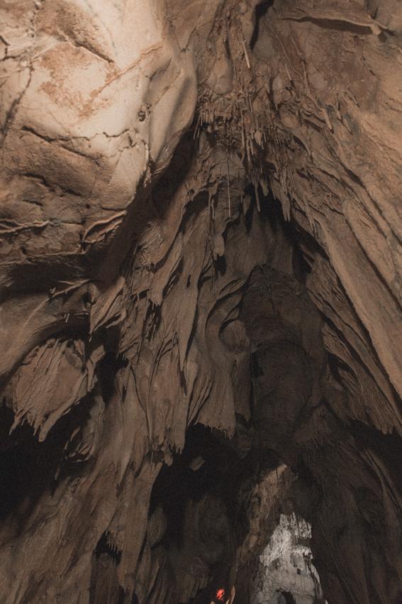 Grottes de Thouzon visiter les plus beaux coins de Provence - Géologie