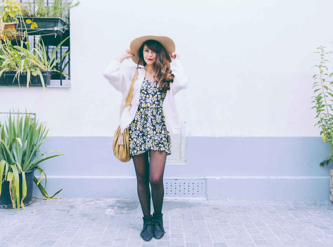 Blog mode hiver automne 2015 - Gros gilet grosse maille Mohair American Apparel - Robe Oasis Boots serpent Sezane - grand chapeau neige American Apparel - Blogueuse mode Paris