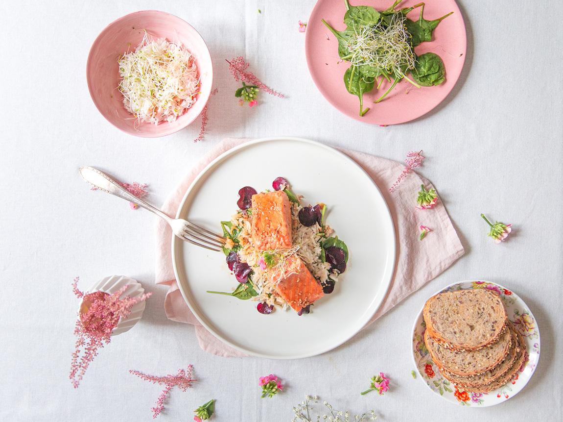 Recette riz basmati parfumé pavé de saumon, pousses d'épinards - recette blog cuisine français photographie culinaire - design culinaire