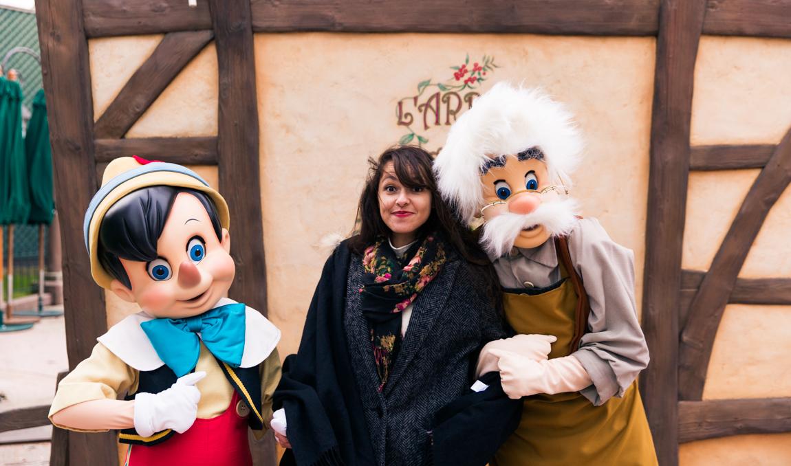 Photo avec Pinocchio et Gepetto à Disneyland Paris