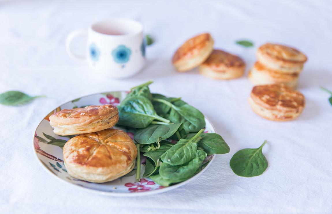 Mini galettes des rois salées aux champignons pour l'Epiphanie - bonne recette tourte viande hachée champignons - blog cuisine gastronomie lifestyle Dollyjessy