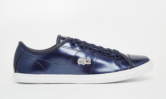 Baskets bleues métallisées en soldes Lacoste - blog mode bons plans shopping