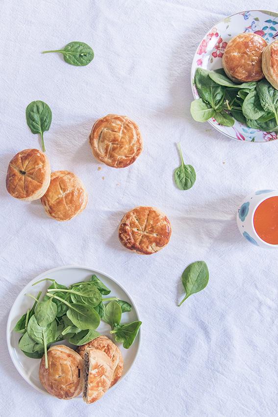 Recette Mini galettes des rois salées aux champignons pour l'Epiphanie - bonne recette tourte viande hachée champignons - blog cuisine gastronomie lifestyle Dollyjessy