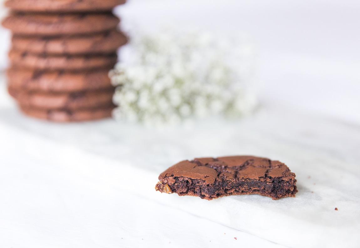 Recette cookies moelleux tout chocolat ultra chocolatés facile et rapide 10 minutes - blog cuisine lifestyle dollyjessy Paris