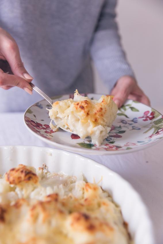 Recette gratin de choux fleurs facile - Recette rapide de gratin de choux-fleur à la sauce béchamel maison - plat pour faire manger des légumes aux enfants - blog culinaire Lifestyle Paris