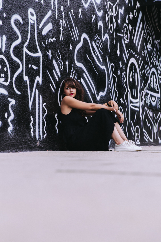 Shooting blogueuse mode Parisienne à Los Angeles Californie. Photos de mode Street Art Dollyjessy