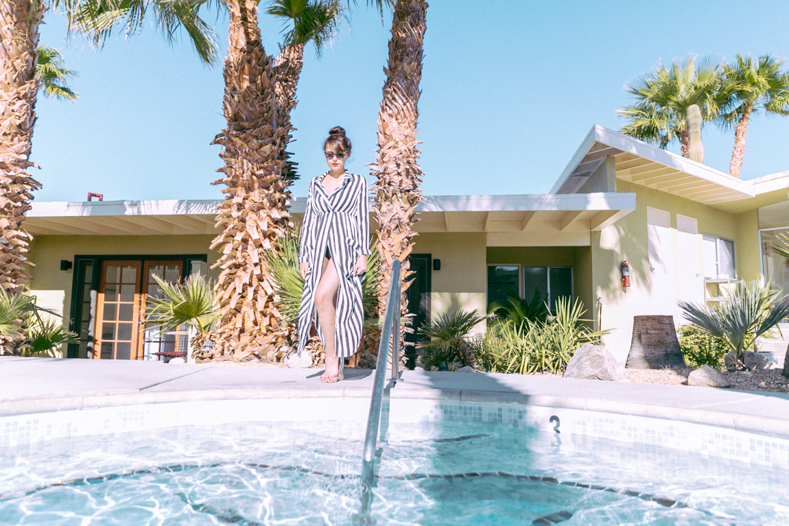 Hope Springs hotel - conseils voyage à Palm Springs - blogueuse mode shooting look Palm Springs Californie Dollyjessy