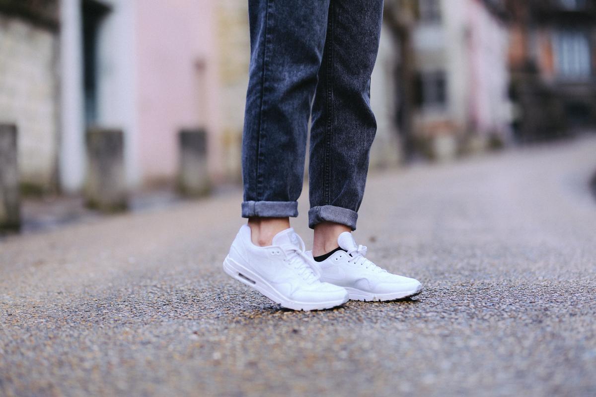 Nike air max one blanches