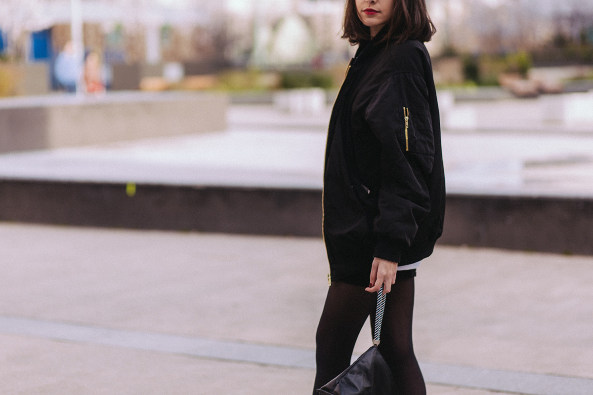 blogueuse mode Paris - comment porter la jupe tupe ? Comment porter le bombre loose - look féminin sportif décontracté blog mode lifestyle