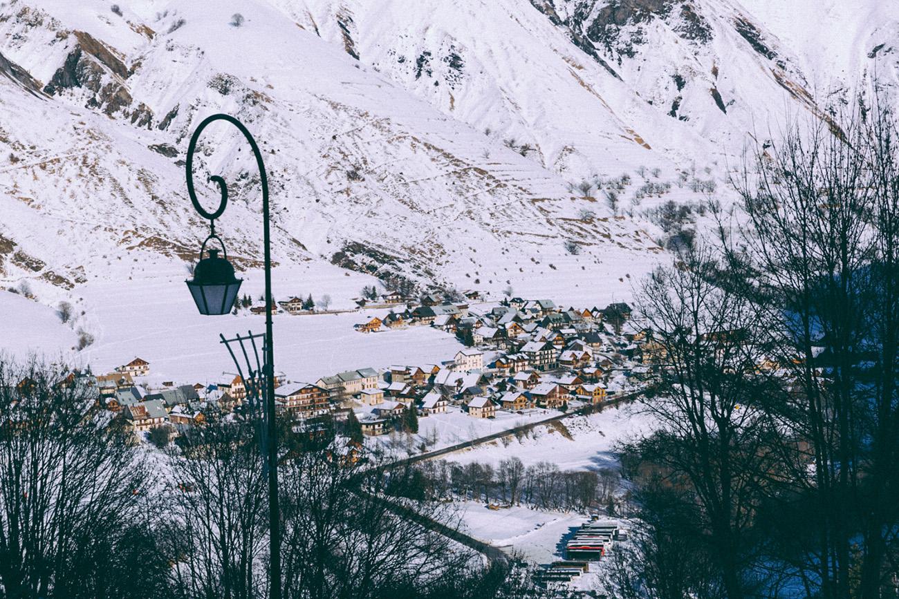 Stations de ski Les Sybelles séjour à la montagne en famille, entre amis meilleures ballade en chiens de traineaux en Savoir