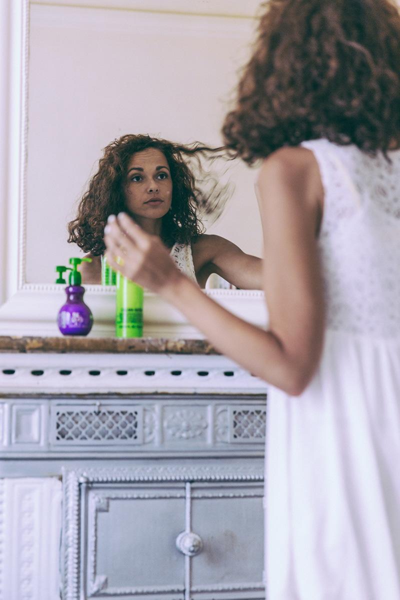 Bed Head produits pour cheveux bouclés frisés de qualité belles boucles  - blogueuse mode lifestyle dollyjessy - hydrater et gainer le cheveu frisé ou bouclé