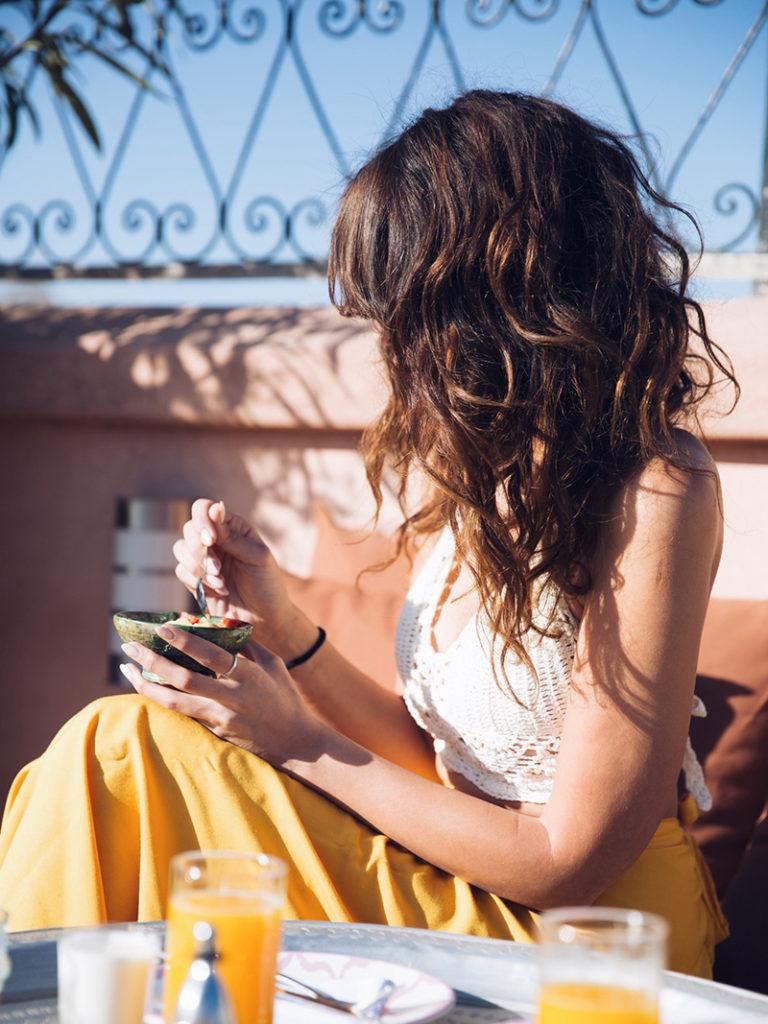 Lissage au tanin, alternative à la kératine pour cheveux fins secs et frisés : avant après, avis, témoignage, blogueuse parisienne france